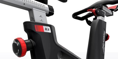 Life Fitness ICG IC4 zadel en stuur